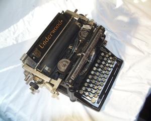 Typewriter (Morguefile)