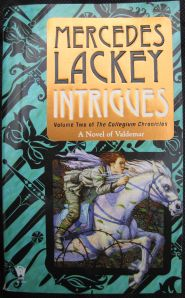 Cover, Intrigues